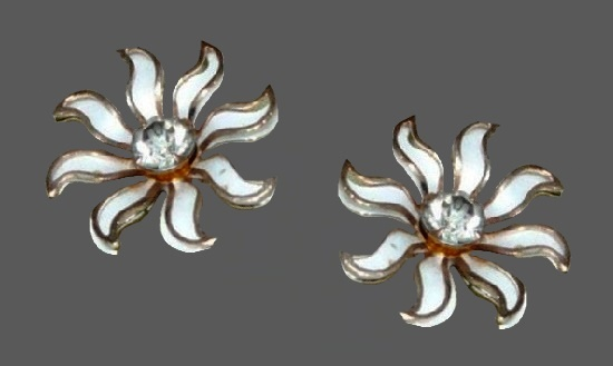 Flower clip on earrings. Gold plated metal alloy, enamel, crystal
