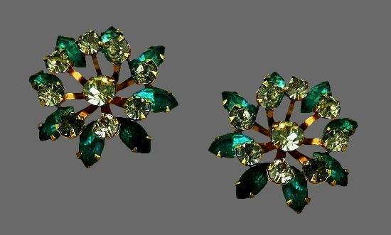 Flower screw back earrings. Gold tone, rhinestones
