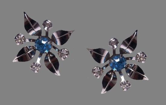 Four petal flower screw back earrings