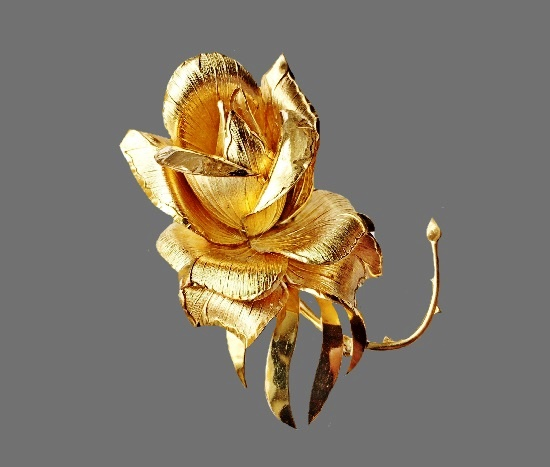Gold rose detailed brooch. Jewelry alloy, gold filled. 6 cm, 1960s