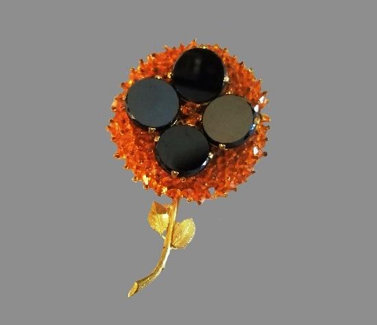 Gold tone flower brooch, art glass