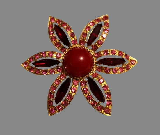 Gold tone red flower brooch. Rhinestones, art glass