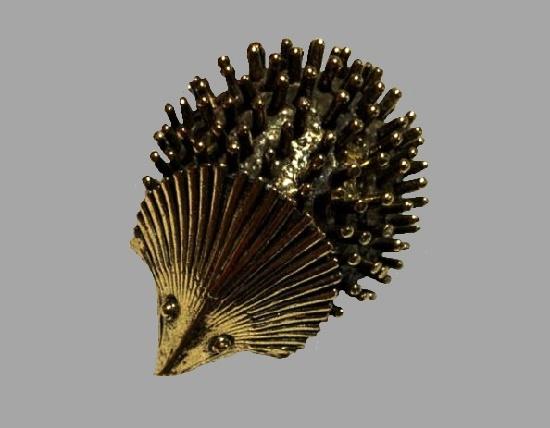 Hedgehog gold tone brooch