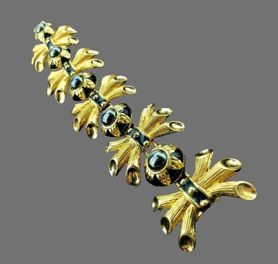 Hematite stones gold tone wheat bracelet. 1980s