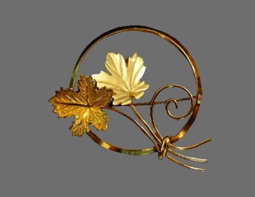 Maple leaf brooch. Abalone, 12 K gold filled