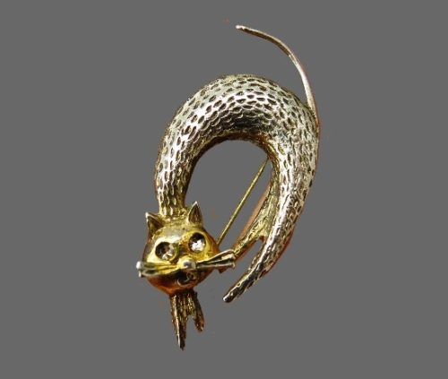 Modernist design cat brooch. 925 Sterling silver, textured, 12 K gold plated