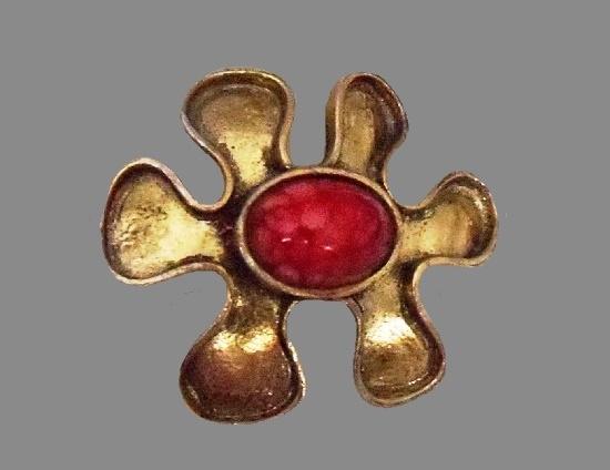 Modernist design flower brooch. Bronze tone metal alloy, art glass
