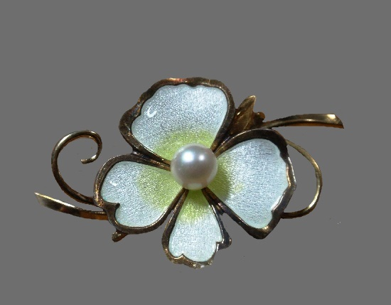Mother of Pearl Gold filled flower Brooch