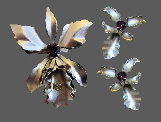 Orchid silver plated brooch and earrings with rhinestone