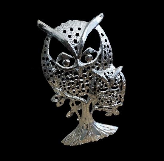 Owl family silver tone earrings holder