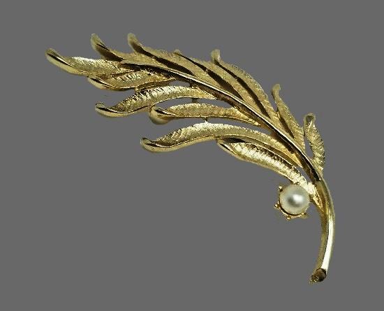 Palm Leaf brooch. Gold tone, pearl