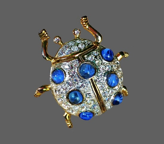Paradise beetle brooch. Jewelry alloy, Swarovski crystals, lucite. 4 cm. 1980s