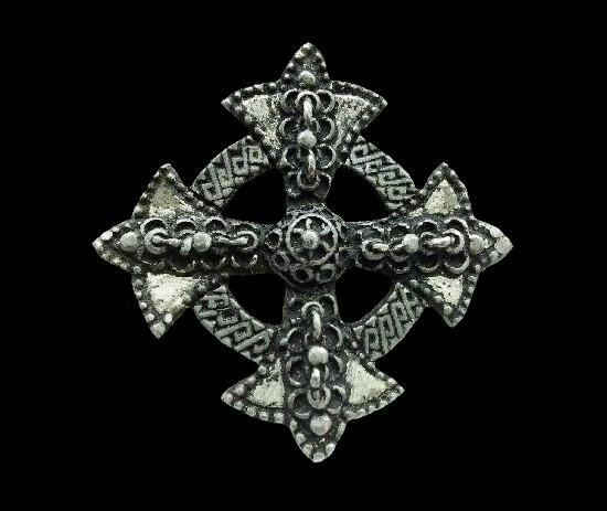 Patonce cross brooch pin. Pewter