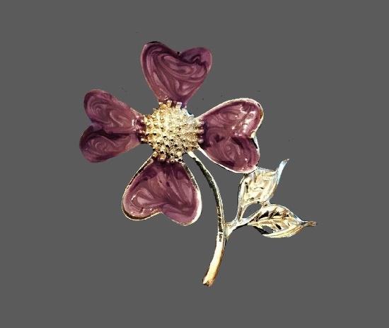 Purple flower vintage brooch. Gold tone alloy, enamel