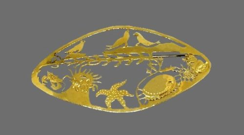 Sea Animals oval shaped brooch. Gold plated, open work