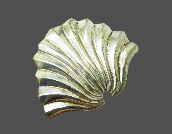 Seashell silver tone brooch pin