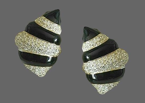 Shell shaped earrings. Black enamel, rhinestones, gold tone
