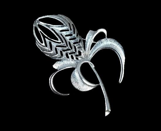 Silver tone flower brooch