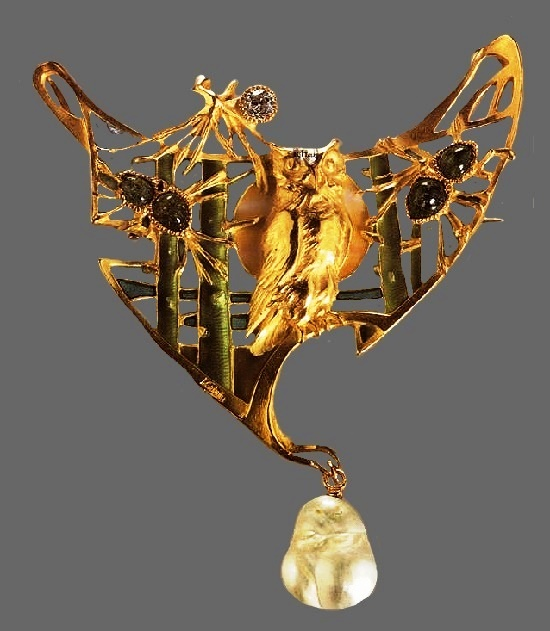 Spiders and owl design pendant. Gold, ruby, enamel, baroque pearl