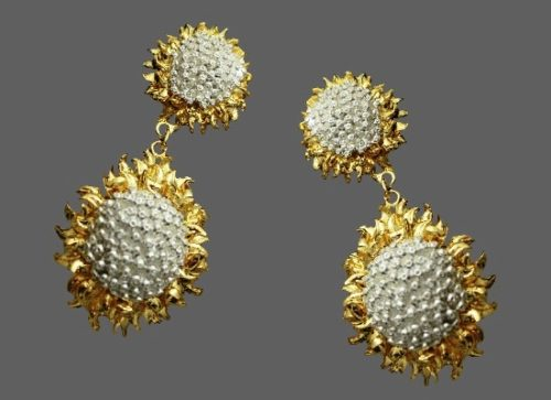 Sunflower dangle earrings. Gold and silver tone metal