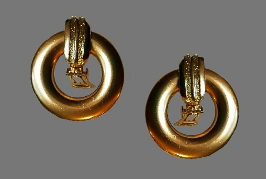 1970s clip on earrings of gold tone