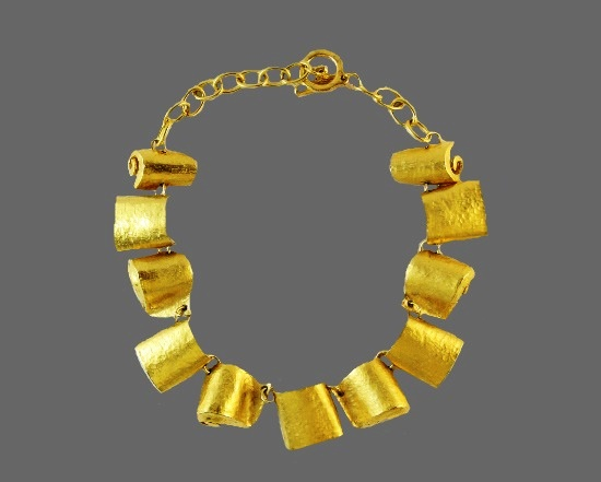 1980s gold tone necklace