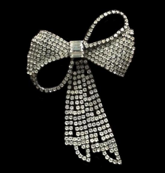 Bow clear rhinestones vintage brooch