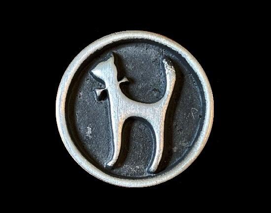 Cat pin brooch. Pewter