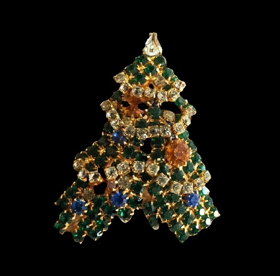 Christmas tree vintage brooch. Gold tone alloy, red and green rhinestones
