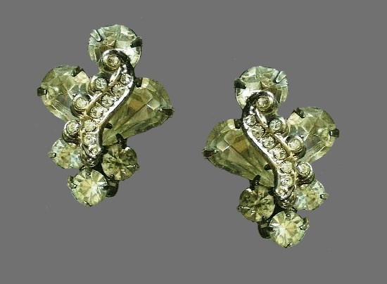 Clear rhinestone silver tone clip on earrings
