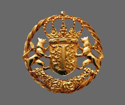 Crown Shield Regal Lions Vintage heraldic brooch pendant marked Ivana. Gold tone bijouterie alloy. 6 cm, 1990s