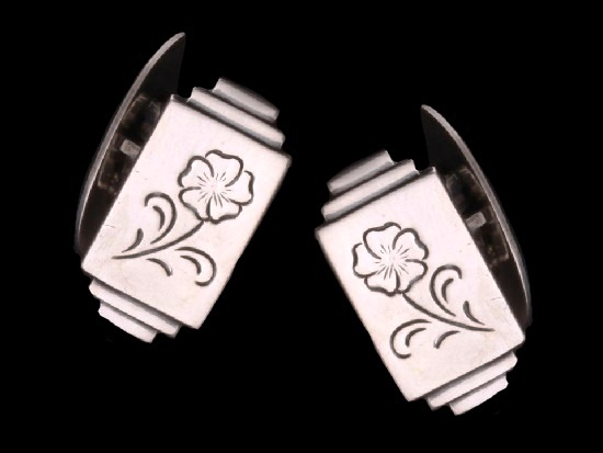 Cufflinks flower design, silver