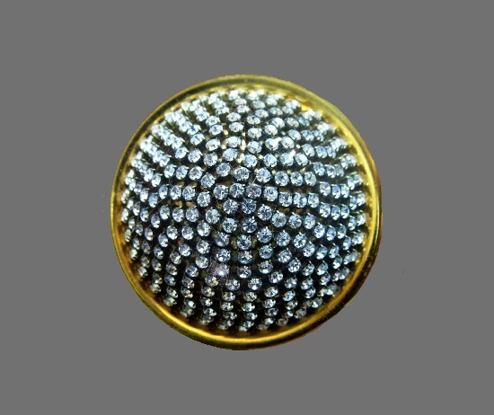 Dome shaped brooch. Gold tone, rhinestones. 6.2 cm, 1990s