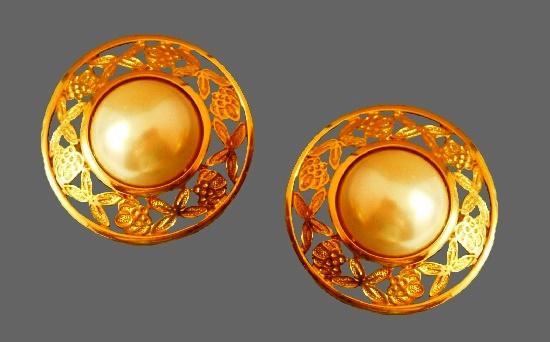 Doorknocker design gold tone vintage earrings
