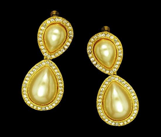 Faux pearl gold tone vintage earrings