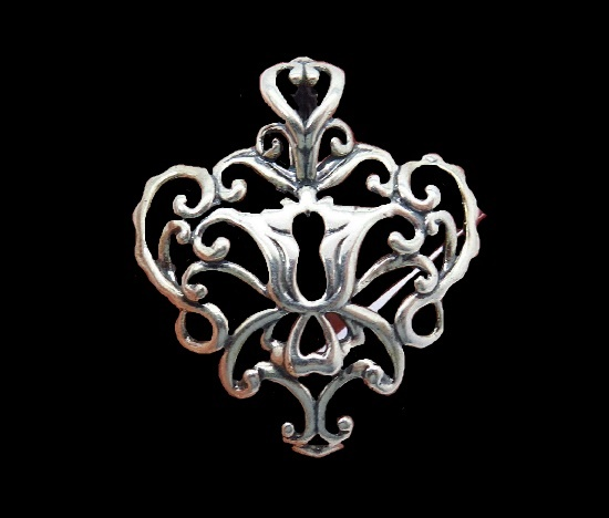 Filigree design sterling silver pendant