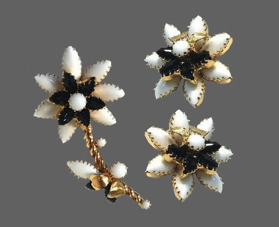 Flower design brooch and earrings. Gold tone metal, milk and black color glass. 1950s