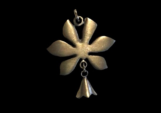 Flower with dangling bell pewter pendant