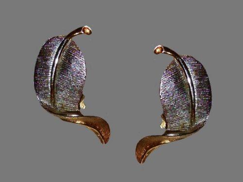 Flower bud clip on earrings. Gold tone, rhinestone