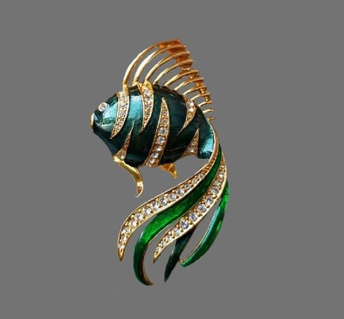 Gold fish brooch. Enamel, gold plated, Swarovski crystals. 6.8 cm. 1980s