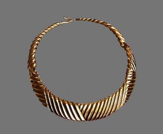 Gold plated vintage necklace. 1980s