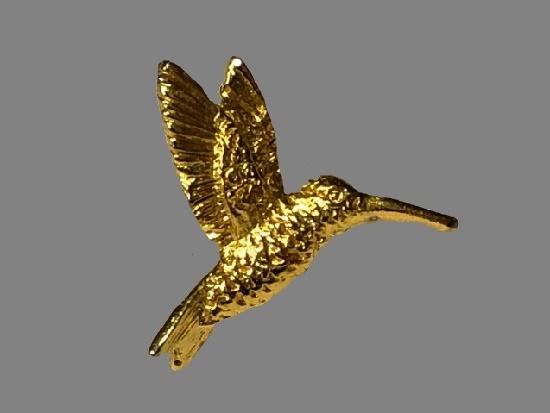 Hummingbird gold tone lapel pin
