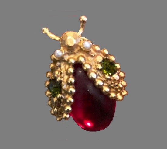 Ladybug pin. Gold tone metal, art glass