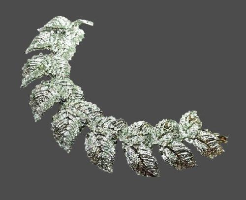 Leaf design silver tone bracelet