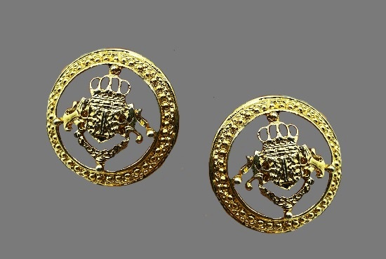 Lion heraldy round shaped clip on earrings. 3 cm. 1980s