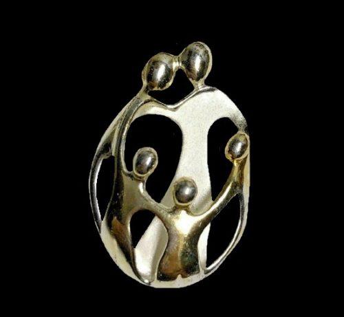 Loving family pendant