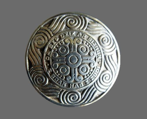 Round shaped silver tone Celtic brooch