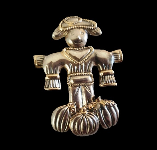 Scarecrow Halloween brooch pendant of silver and gold tone