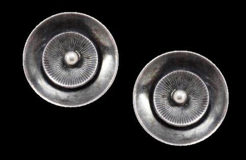 Screwback sterling silver round shaped earrings