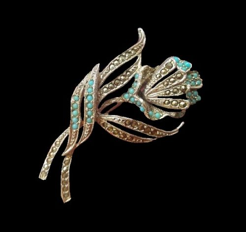 Turquoise flower vintage brooch. Marcasite, silver tone, art glass. 4.2 cm. 1980s